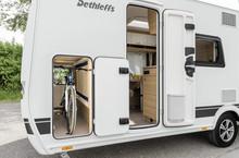 Wohnwagen Mit Etagenbett Und Garage : Camper wohnwagen dethleffs caravans und wohnwägen