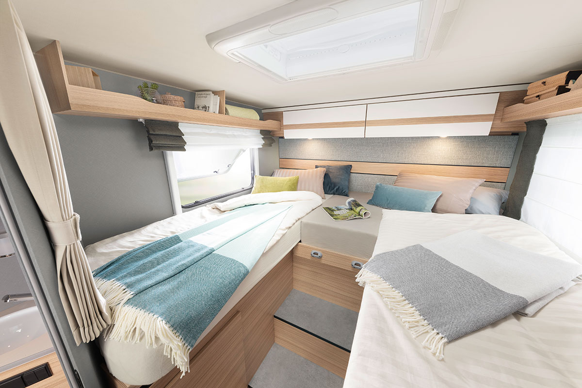 Versatile sleeping arrangements: the comfortable single beds can also be easily combined to form a double bed • T 7052 EB